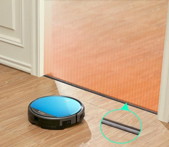 Le robot aspirateur Proscenic 811GB est fourni avec des capteur simulant des murs virtuels